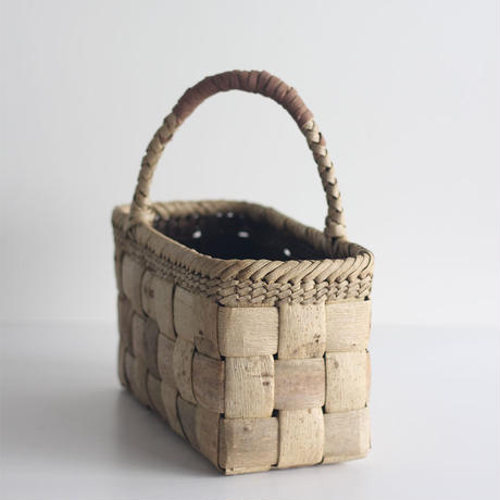 沢胡桃のかごバッグ  ワンハンドル 手提げ籠  表皮