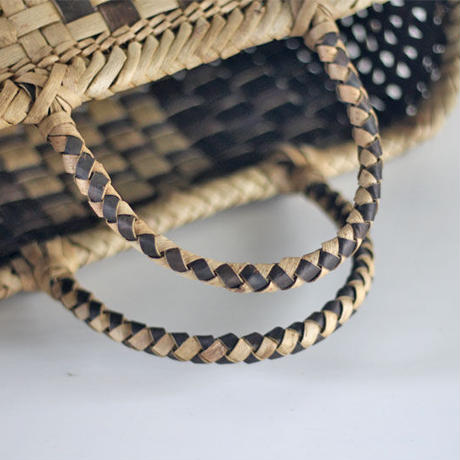 『横長で中央チェックライン』沢胡桃のかごバッグ 35cm幅