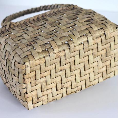 『丸み 網代編み 表皮』沢胡桃のかごバッグ 27cm幅