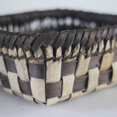 市松柄の置き籠  収納バスケット 沢胡桃樹皮 くるみ ozb-810