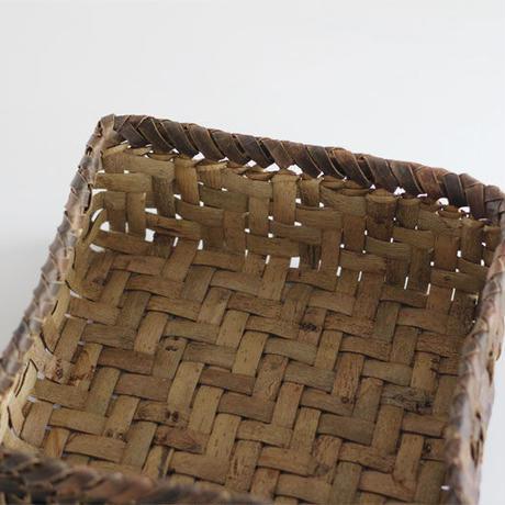 沢胡桃の置きかご 籠 (中型) 裏皮 小物入れ 網代編み
