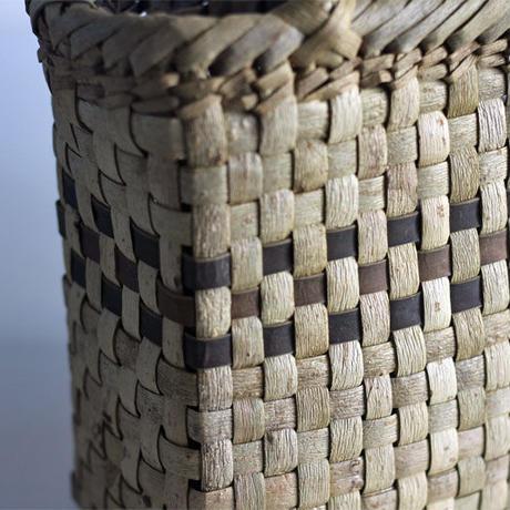 沢胡桃のかごバッグ  市松編み 横幅25cm マチ9cm 手提げ籠  表皮