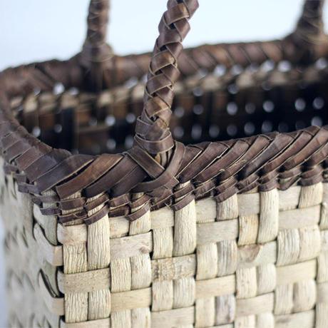 『縦2本市松編み 表皮×裏皮』沢胡桃のかごバッグ 25cm幅