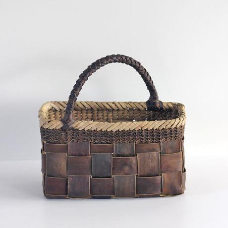 『斜めハンドル フト編み 市松 裏皮』沢胡桃のかごバッグ 28cm幅
