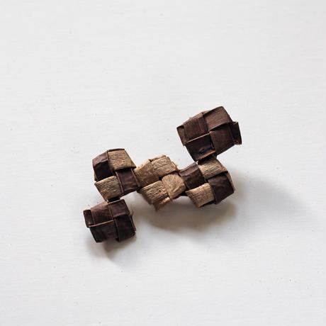 沢胡桃のブローチ/畳織5連/ozbro-067