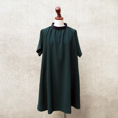【SALE】1404-05-105 Bi-Color High Neck Dress