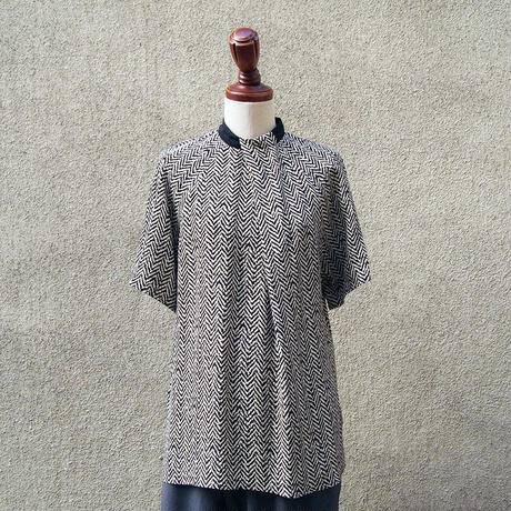 【SALE】1404-01-104 Zigzag High Neck Blouse