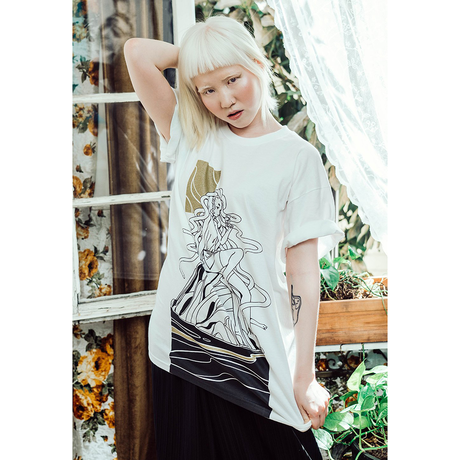 【OMOCAT×LOIKA】OCEAN'S DAUGHTER T-Shirt