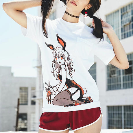 【OMOCAT】BUNNYGIRL Pocket T-Shirt