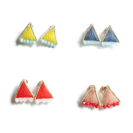 PUFF TRIAGLE PIERCE/EARRING