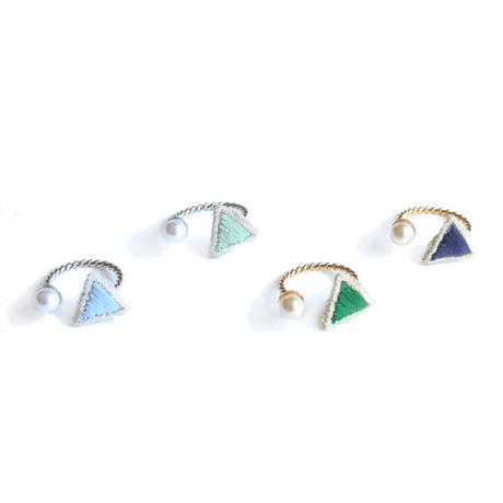 PEARL TRIANGLE FORK RING