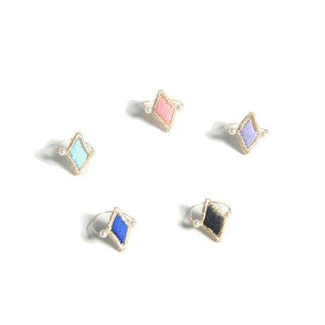 STITCHED DIAMOND RING