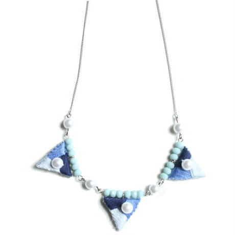 LABYRINTH TRIANGLE NECKLACE