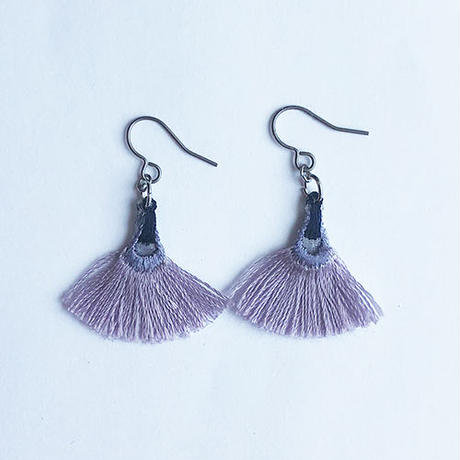 MINI FAN FRINGE PIERCE / EARRING