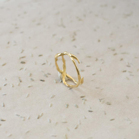 Twig Cross Ring