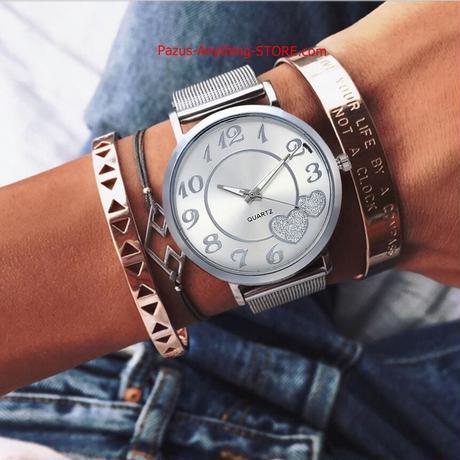 女性 シルバー ゴールドメッシュ ハートダイヤル腕時計 カジュアル女性 鋼クォーツ時計 1769 9/25
