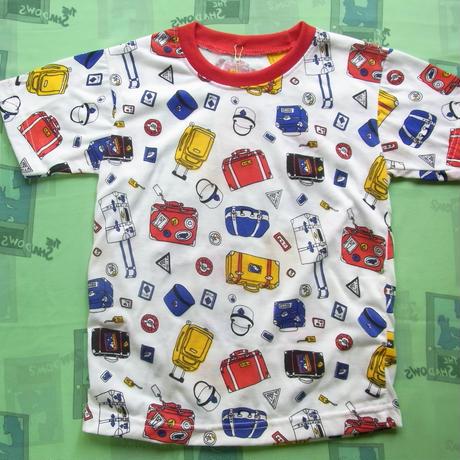 バック柄Tシャツ