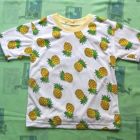 パイナップル柄Tシャツ