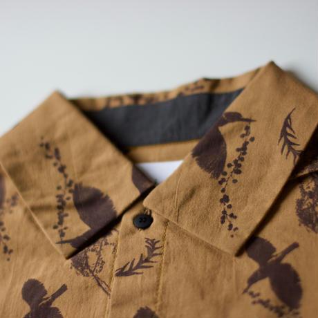 "【 michirico 21SS 】Flora and fauna shirt (MR21SS-13)"" カラーシャツ"" / キャメル / L (115-130cm)"