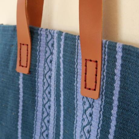 羊飼いの毛布のトートバッグ/海の青