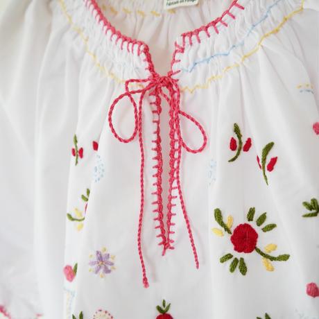 ヴィアナ・ド・カステロ刺繡の半袖ブラウス /ピンク