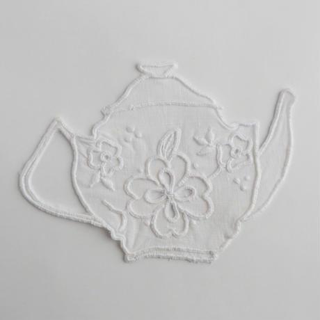 テルセイラ島の刺繍のコースター/ティーポット(白)