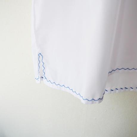 ヴィアナ・ド・カステロ刺繡の半袖ブラウス / ブルー