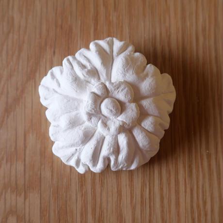 漆喰のオーナメント/花畑のマム