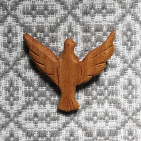 テルセイラ島の木彫りのブローチ/ハト(精霊)  B