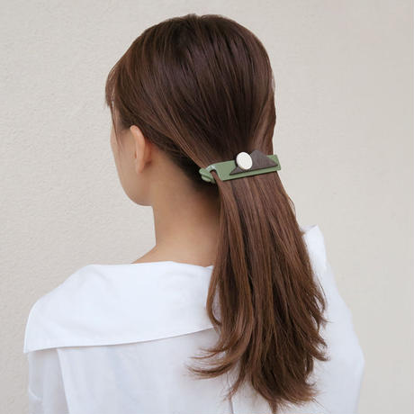 ellie banana clip green