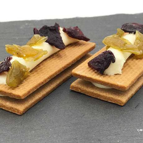 シャインマスカットとナガノパープルのショコラサンド PETIT FRU  CHOCOLATE SAND SHINE MUSCAT & NAGANO PURPLE