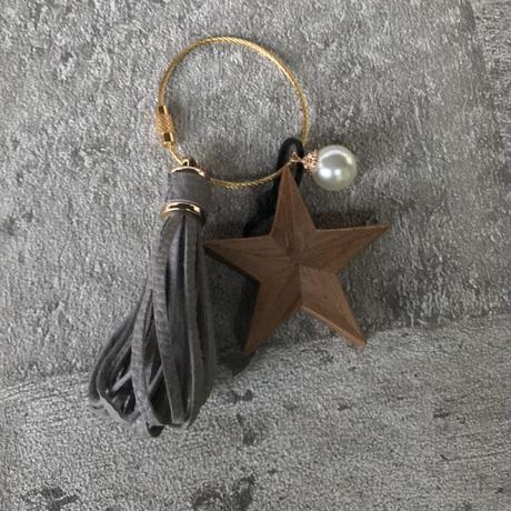 charm(wood star )