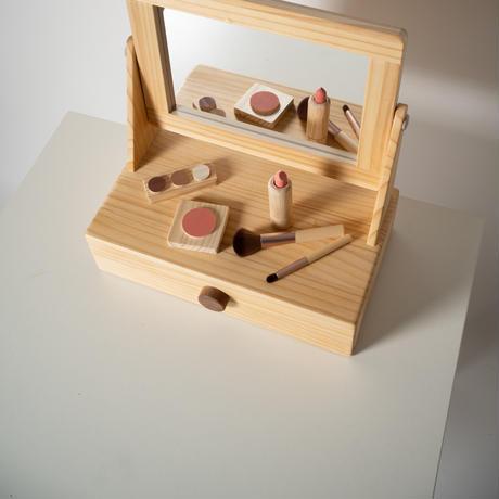 dresser set