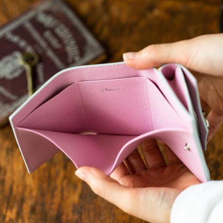 三つ折りコンパクトウォレット オコシ金具タイプ トリヨンクレマンス/ブルーペール×ヴォー・エプソン/モーヴシルベスティン