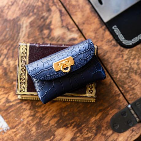 やわらかなレザーフラップmini財布  クロコダイル/マットサファイア