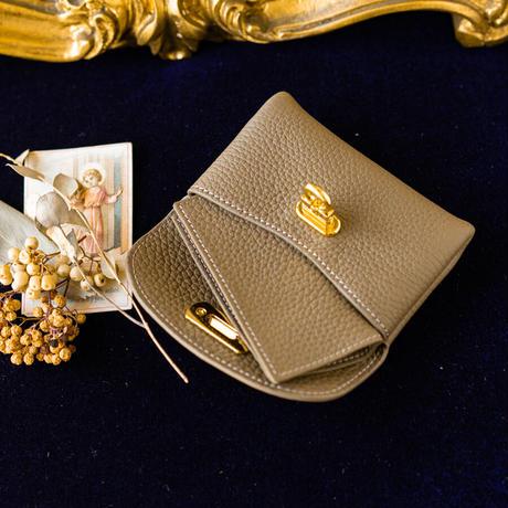 【即納】やわらかなレザーフラップ mini財布 トリヨンクレマンス/ エトゥープ