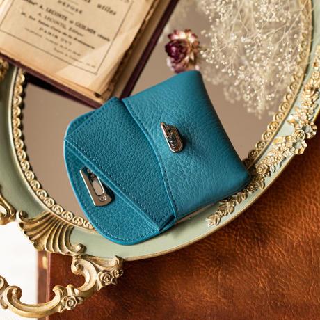 やわらかなレザーフラップ mini財布  シルバー金具   トリヨンクレマンス/ブルージーン
