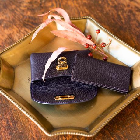 やわらかなレザーフラップ mini財布 トリヨンクレマンス/レザン