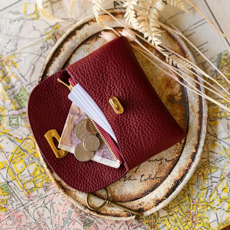 やわらかなレザーフラップミドル財布 トリヨンクレマンス/ボルドー