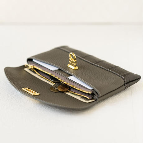 やわらかなレザーフラップ長財布クロココンビ・オコシ金具タイプ トリヨンクレマンス/エタン×クロコダイル/グレー