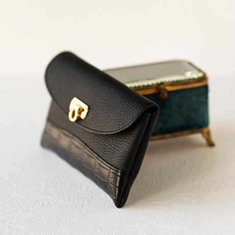 やわらかなレザーフラップ長財布クロココンビ・オコシ金具タイプ トリヨンクレマンス/ブラック×クロコダイル/ブラック