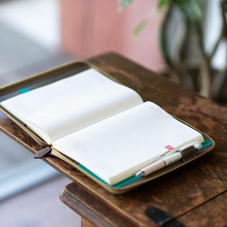 【オーダー例】A5サイズ手帳カバー・ジッパーズ ポケット付き