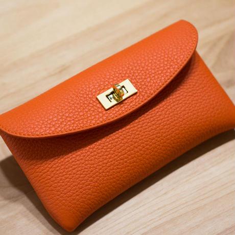 やわらかなレザーフラップ長財布・ひねり金具タイプ トリヨンクレマンス/オレンジ