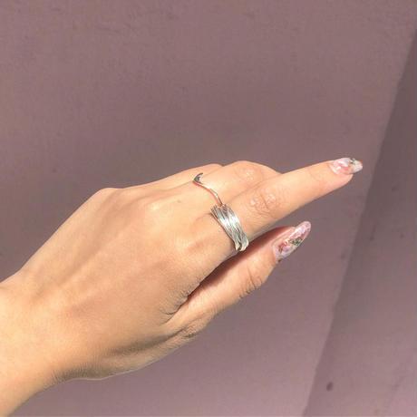 thin round ring  (R19-049)