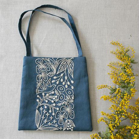 Alice Makabe 小鳥と草花の小さなバッグ Blue×Ecru