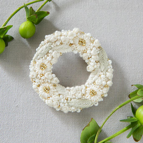 K.omono hanabatake ブローチ white PHC-084-1