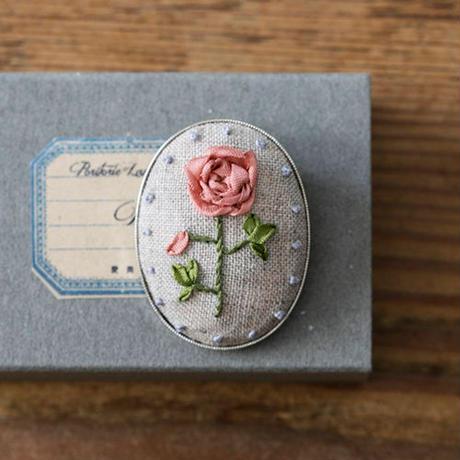 poritorie  リボン刺しゅうのハナコトバブローチ Rose