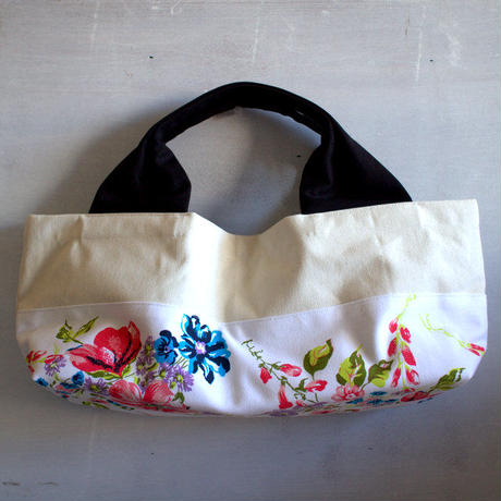 柄は画像通り!boat shape tote bag / stella