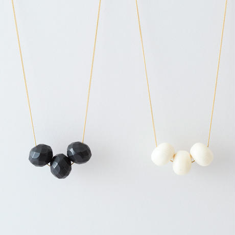 CAN022:レシンボールネックレス /  Resin Ball Necklace