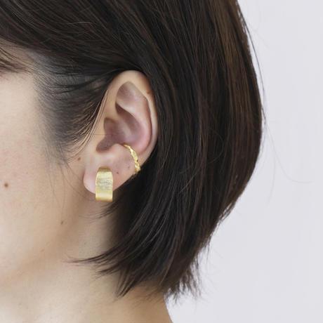 ISE016 :ツイステッドイヤカフ /  Twisted ear cuff